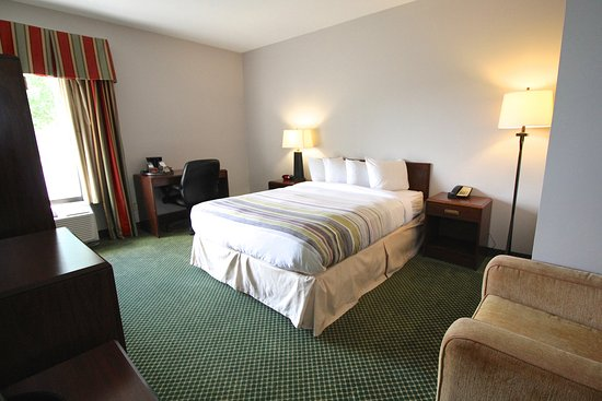 Milan, OH: SSOH Guest Room King