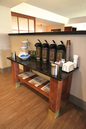 Country Inn & Suites By Carlson, Sandusky South: SSOH Coffee/Tea Facilities