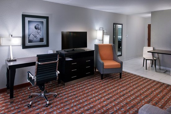 Antioch, TN: One Bedroom Suite - Living Room