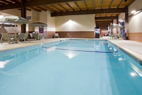 Splash down at our indoor heated pool at the Best Western Plus in Shoreview, MN