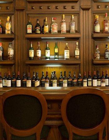 ديلاز بوتيك هوتل: Bar