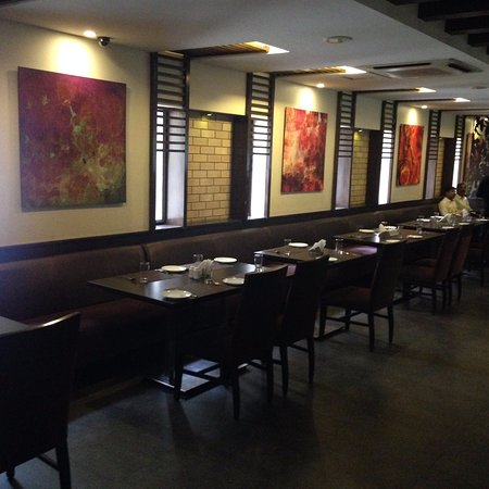 Moti Mahal Delux: Interiors and seating