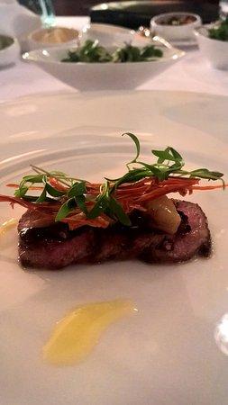 جوهانسبرج, جنوب أفريقيا: Lamb Scottati, Lukes XO Dressing, smoked bone marrow, radish salad