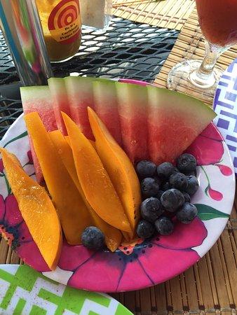 Cafe Fresco : Great fruit side