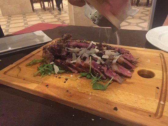 Tabernes de Valldigna, สเปน: Otra cena buenisima en dall italiano , espectacular la burrata con trufa i la carne .