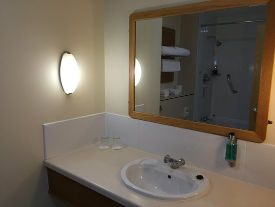 Portballintrae, UK: Bathroom