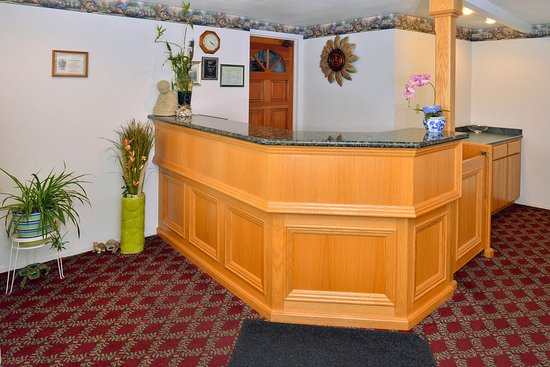Sweet Home, OR: Frontdesk