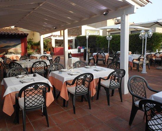 Vidreres, สเปน: Cenas en la terraza las noches de verano
