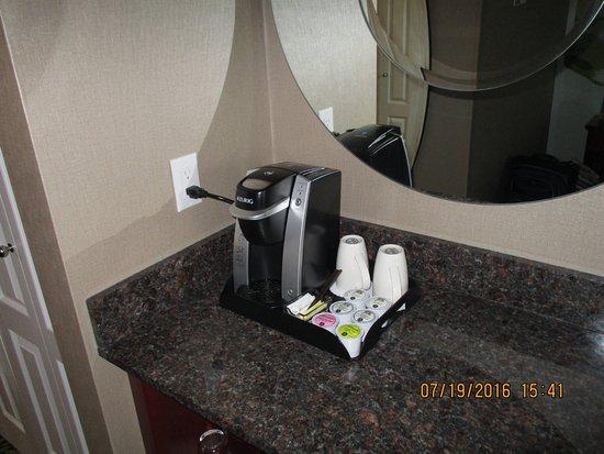 Varscona Hotel on Whyte: Keurig.