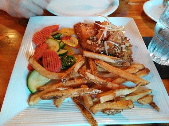 Intervale, NH: Chicken Savannah with peach chutney