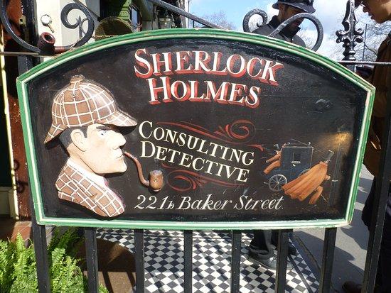 Sherlock Holmes Museum Entrance Baker Street 221 b