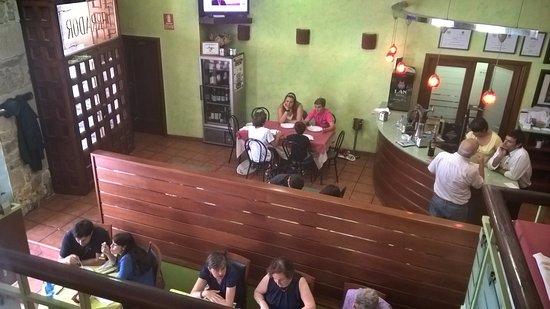 Нойя, Испания: Vista general del restaurante