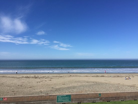 Cayucos Shoreline Inn...on the beach: photo0.jpg