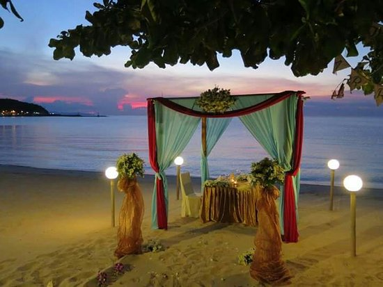 Lipa Noi, Tailandia: Welcome to SeaFront Restaurant Private Dinner on the Beach