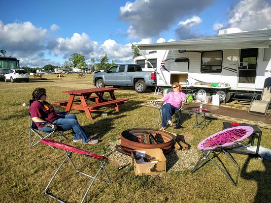 Marshall, MI: Camp Turkeyville RV Resort