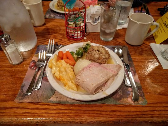 Marshall, MI: Turkey dinner with the dinner theatre.