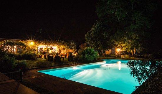 Larroquinière : piscine nuit