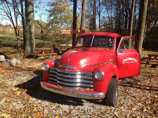 Woodbury, TN: Our 1952 Chevy Shine Truck