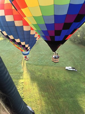 Charlottesville, VA: We were lucky enough to fly with 4 other balloons.
