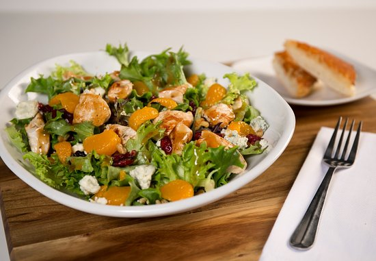 Crystal Lake, IL: The Citrus Chicken Tango Salad