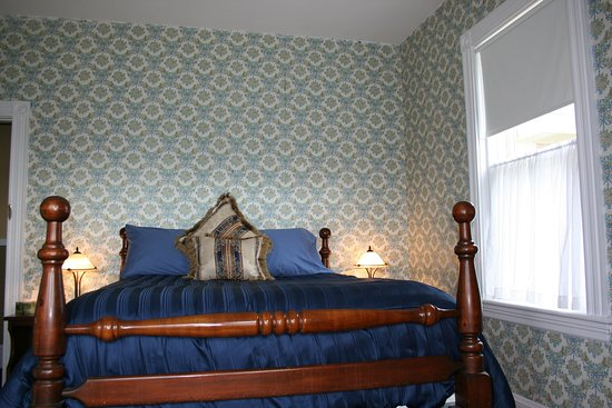 Sackville, Canada : Birch Room