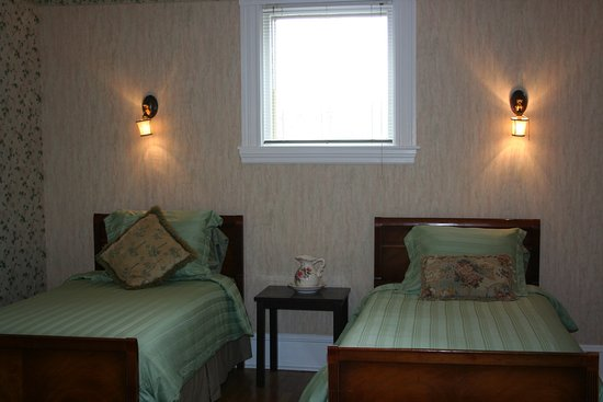Sackville, Canada : Willow Room