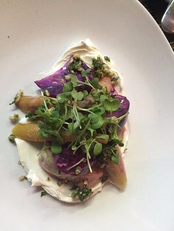 Ventnor City, نيو جيرسي: Beets & goat cheese salad