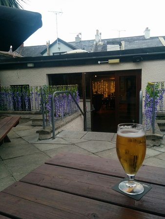 Strangford, UK: the beer garden, looking into the nice party space at the back of The Lobster Pot