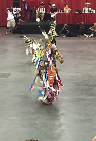 Red Earth Festival: Native dancer 2016