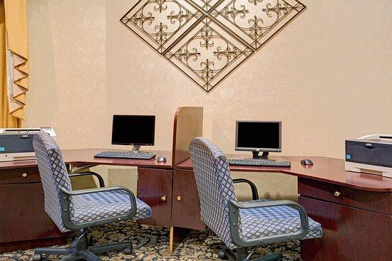 Baymont Inn & Suites Florida Mall: Business Center