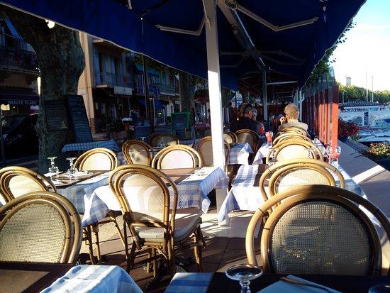 Golfe-Juan-Vallauris, França: I tavoli esterni