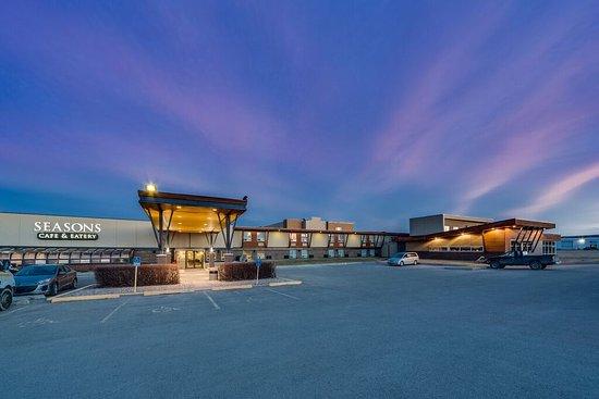 Пинчер-Крик, Канада: Hotel Exterior