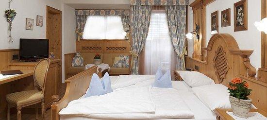 Hotel Sonnenhof - St Vigil in Enneberg, Dolomiten: Stanza comfort