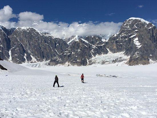 Talkeetna, AK: Ruth Glacier snowball fight