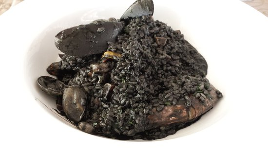 Zaton, Croacia: Crni Risot (Black squid ink risotto)