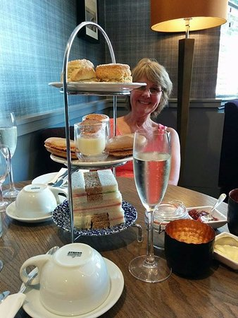 The Orchid Hotel: Afternoon tea.