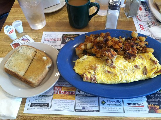 Napanoch, NY: Bacon and Cheese Omelette