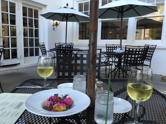 Summer dining on the patio