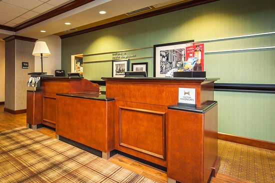 South Kingstown, RI: Front Desk