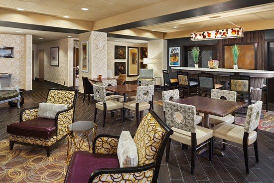 Pell City, AL: Beautiful Lobby!!