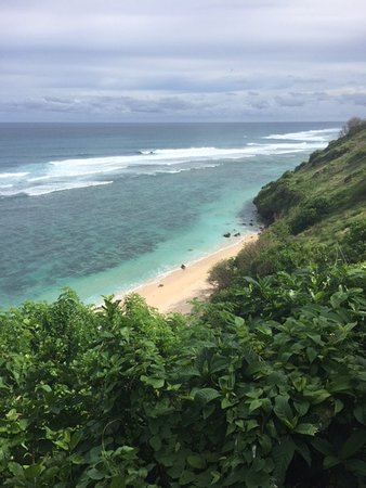 Pantai Gunung Payung: Your first glimpse of what awaits.