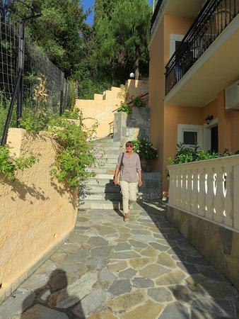 Dina's Paradise Hotel & Apartments: Weg zu den oberen Etagen