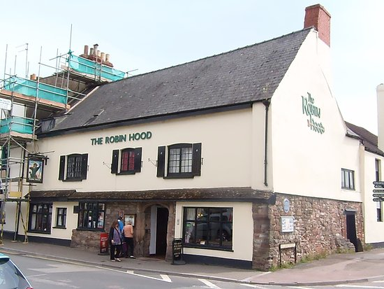 Monmouth, UK: Looking at the front and side of the Robin Hood