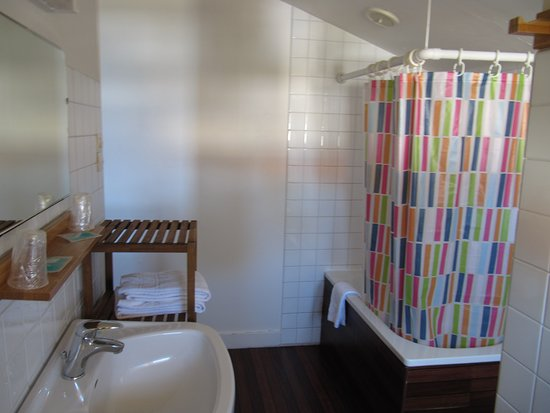 Hotel l 39 arbousier prices reviews soulac sur mer for Salle de bain 7 5 m2