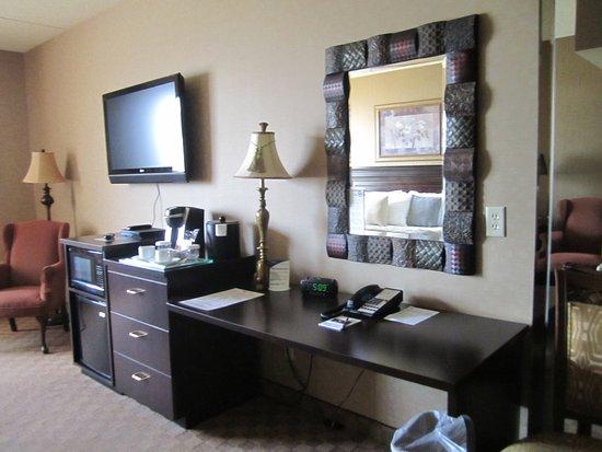 Salvatore's Grand Hotel: Desk area