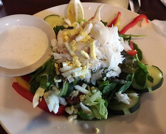 Chinook, WA: Crab salad