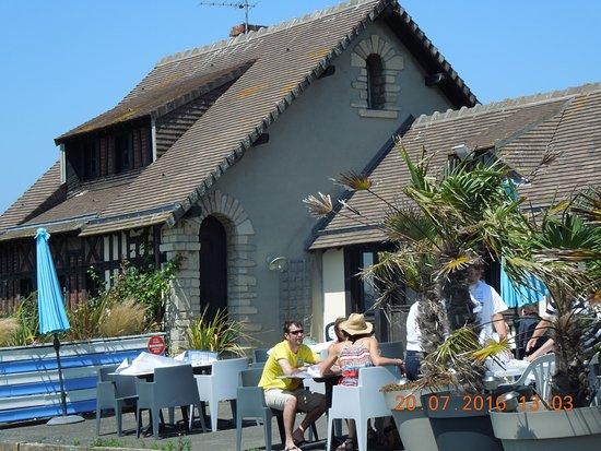 Courseulles-sur-Mer, Francia: Terrrasse