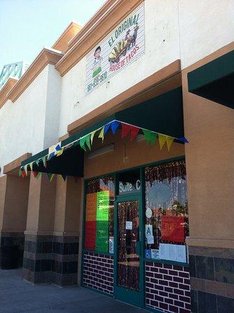 Palmdale, Kalifornia: Exterior of restaurant