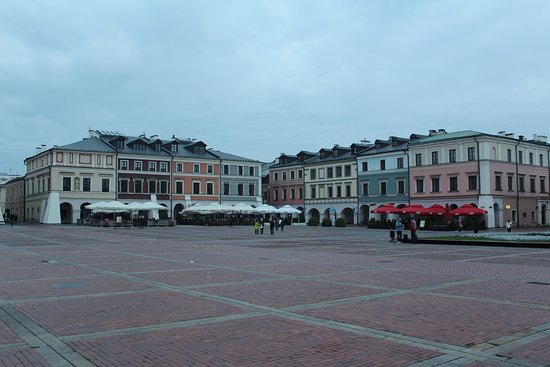 Zamosc, Polandia: Old Market Square