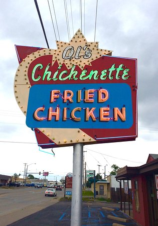 Hays, KS: Such a fun stop and of course the Fried Chicken was good! I loved the chicken and noodles!
